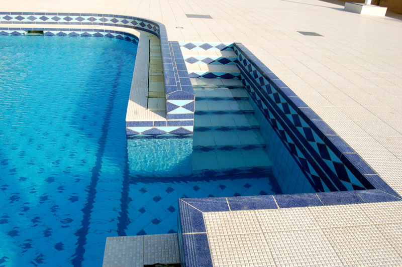 Advantages of swimming pool tiles