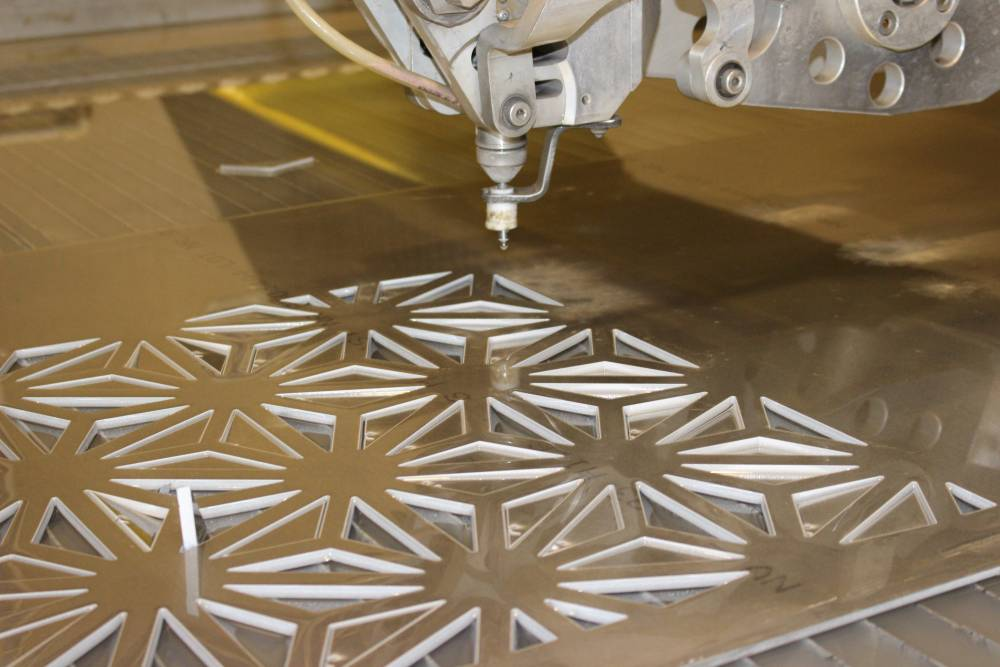 Water Jet Metal Cutting - Overview